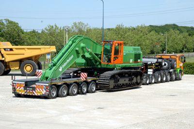 Трал для перевозки тяжелых строительных машин массой до 120 тонн